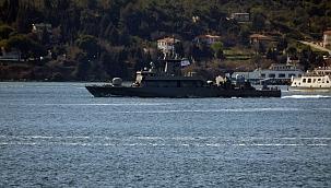 Yunan donanmasına ait gemi Boğaz'dan geçiş yaptı
