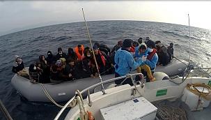 54 düzensiz göçmen kurtarıldı