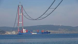 Köprünün ana kablolarının montajı tüm hızıyla devam ediyor