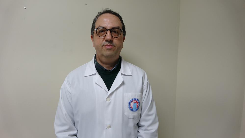 """Prof. Dr. Şener: """"Korona virüs aşılarından diğer aşı grubundan tek doz vurulmalı"""""""