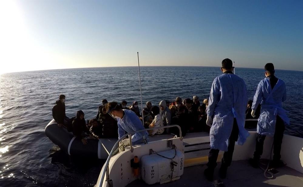 53 düzensiz göçmen kurtarıldı