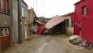 Ayvacık'ta şiddetli fırtına etkili oldu