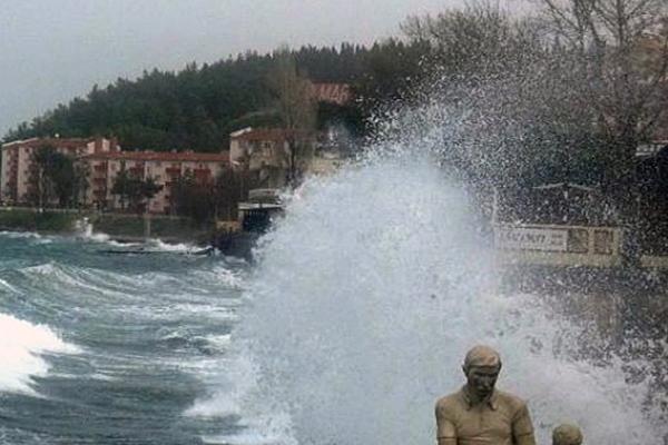 Meteoroloji'den 'tropik fırtına' uyarısı